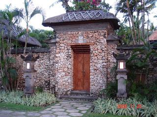 Фотография из раздела - красивые двери, ворота и просто проходы: Индонезия, о.Бали