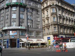 Фотография из раздела - Угловые входы. Прага.